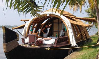 Coconut Lagoon Hausboot