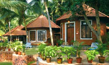 Manaltheeram Ayurveda Beach Village Kerala House