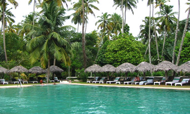 Marari Beach Resort Pool