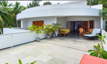Cliff View Ayurveda Retreat Loft Zimmer
