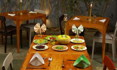 Cliff View Ayurveda Retreat Restaurant